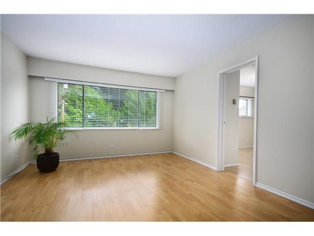Photo 5: Photos: 1295 PLATEAU Drive in North Vancouver: Pemberton Heights Townhouse for sale : MLS®# V1031985