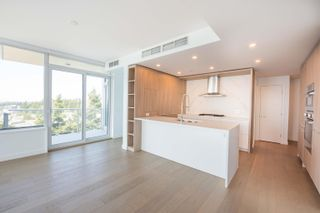 Photo 12: 908 15165 THRIFT Avenue in Surrey: White Rock Condo for sale (South Surrey White Rock)  : MLS®# R2612280