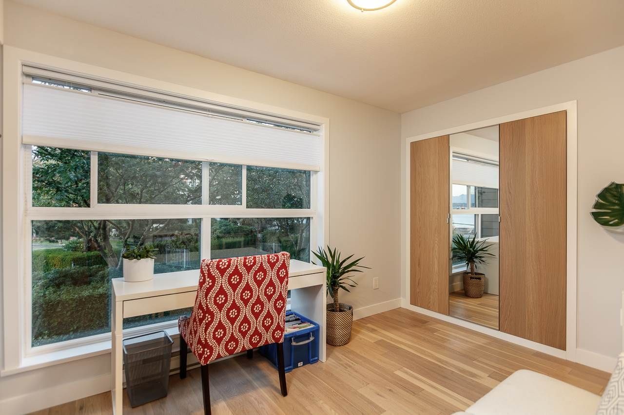 """Photo 17: Photos: 216 5880 DOVER Crescent in Richmond: Riverdale RI Condo for sale in """"WATERSIDE"""" : MLS®# R2244276"""