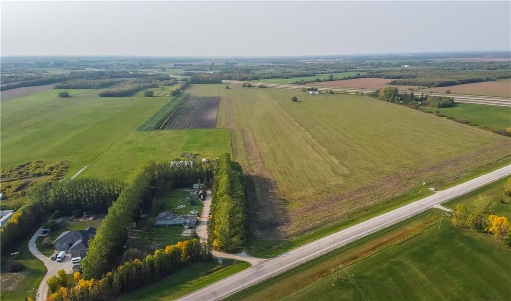 Main Photo: 26080 PTH 44 SSR . Highway in St Clements: R02 Residential for sale : MLS®# 202123280