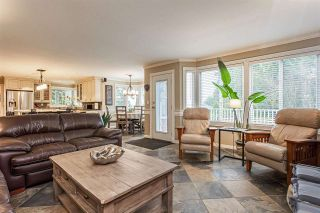 """Photo 10: 18102 CLAYTONWOOD Crescent in Surrey: Cloverdale BC House for sale in """"Claytonwoods"""" (Cloverdale)  : MLS®# R2580715"""