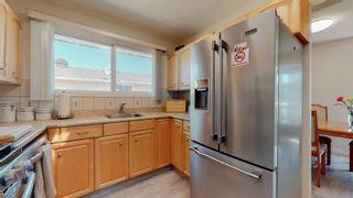 Photo 5: 220 HOMESTEAD Crescent in Edmonton: Zone 35 House for sale : MLS®# E4252303