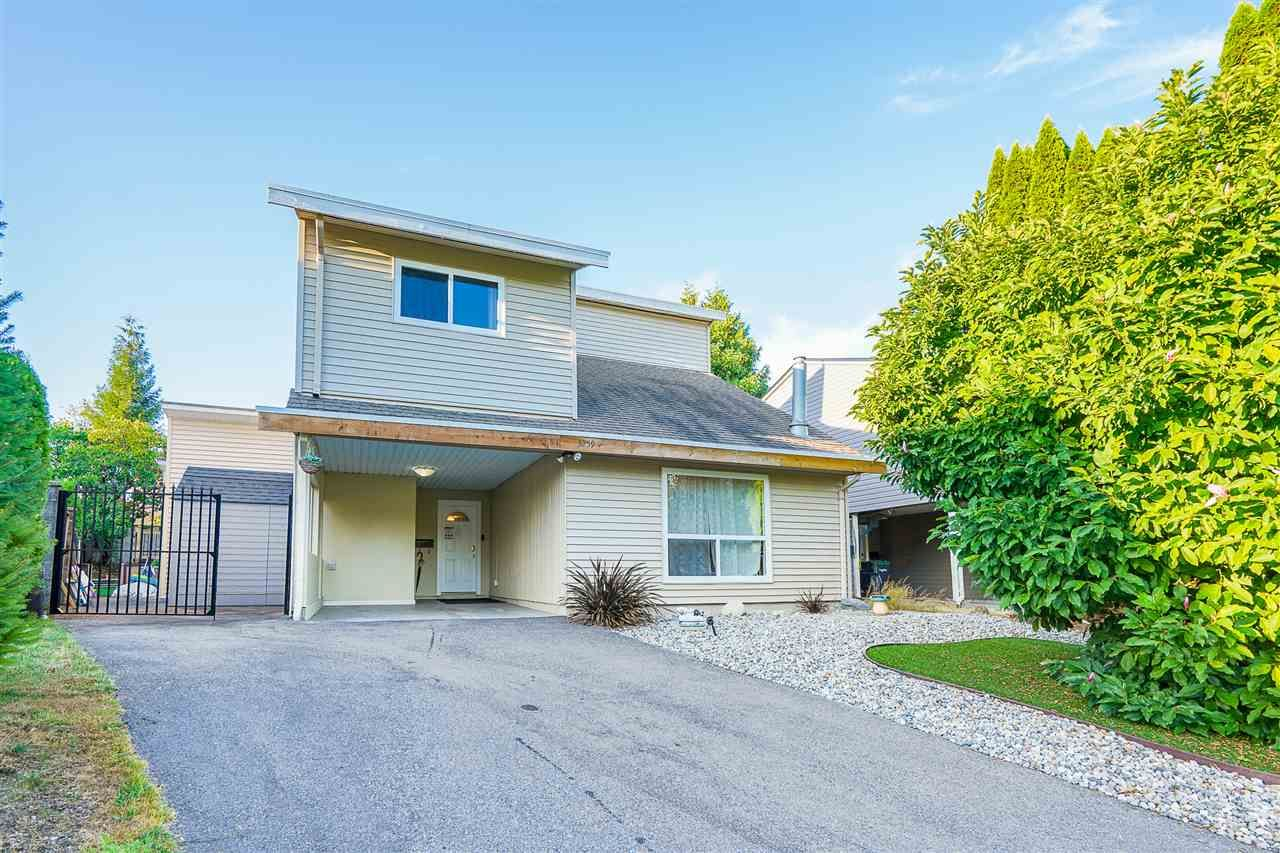 Main Photo: 3259 SAMUELS Court in Coquitlam: New Horizons House for sale : MLS®# R2484157