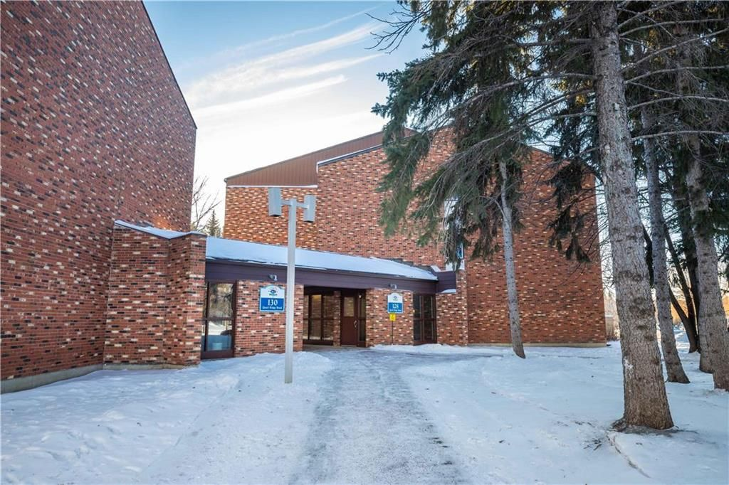 Main Photo: 232 128 Quail Ridge Road in Winnipeg: Crestview Condominium for sale (5H)  : MLS®# 202100934