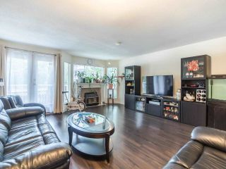 """Photo 4: 12 1318 BRUNETTE Avenue in Coquitlam: Maillardville Townhouse for sale in """"Place Pare"""" : MLS®# R2587903"""