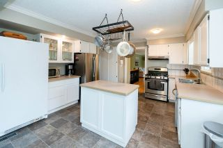 "Photo 3: 3854 196A Street in Langley: Brookswood Langley House for sale in ""Brookswood"" : MLS®# R2553669"