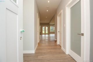 Photo 4: 1037 Sandalwood Crt in VICTORIA: La Luxton House for sale (Langford)  : MLS®# 827604