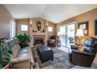 """Photo 10: 41 20222 96 Avenue in Langley: Walnut Grove Townhouse for sale in """"Windsor Gardens"""" : MLS®# R2597254"""