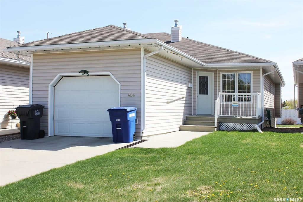 Main Photo: 406 6th Avenue West in Meadow Lake: Residential for sale : MLS®# SK856706