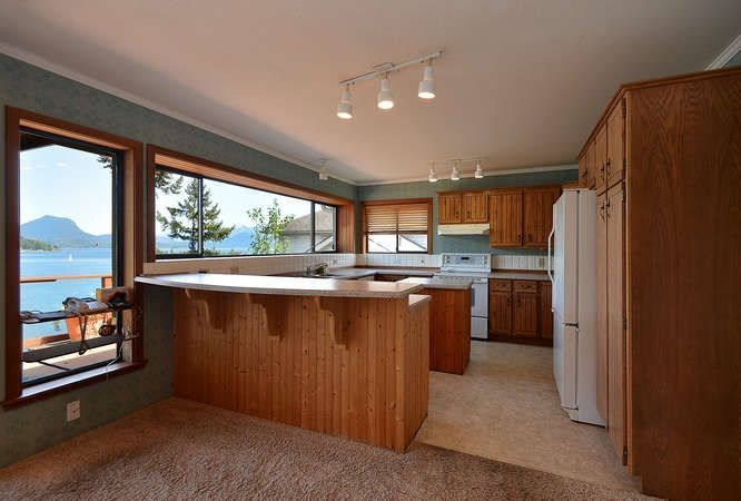 Photo 11: Photos: 392 SKYLINE Drive in Gibsons: Gibsons & Area House for sale (Sunshine Coast)  : MLS®# R2238412