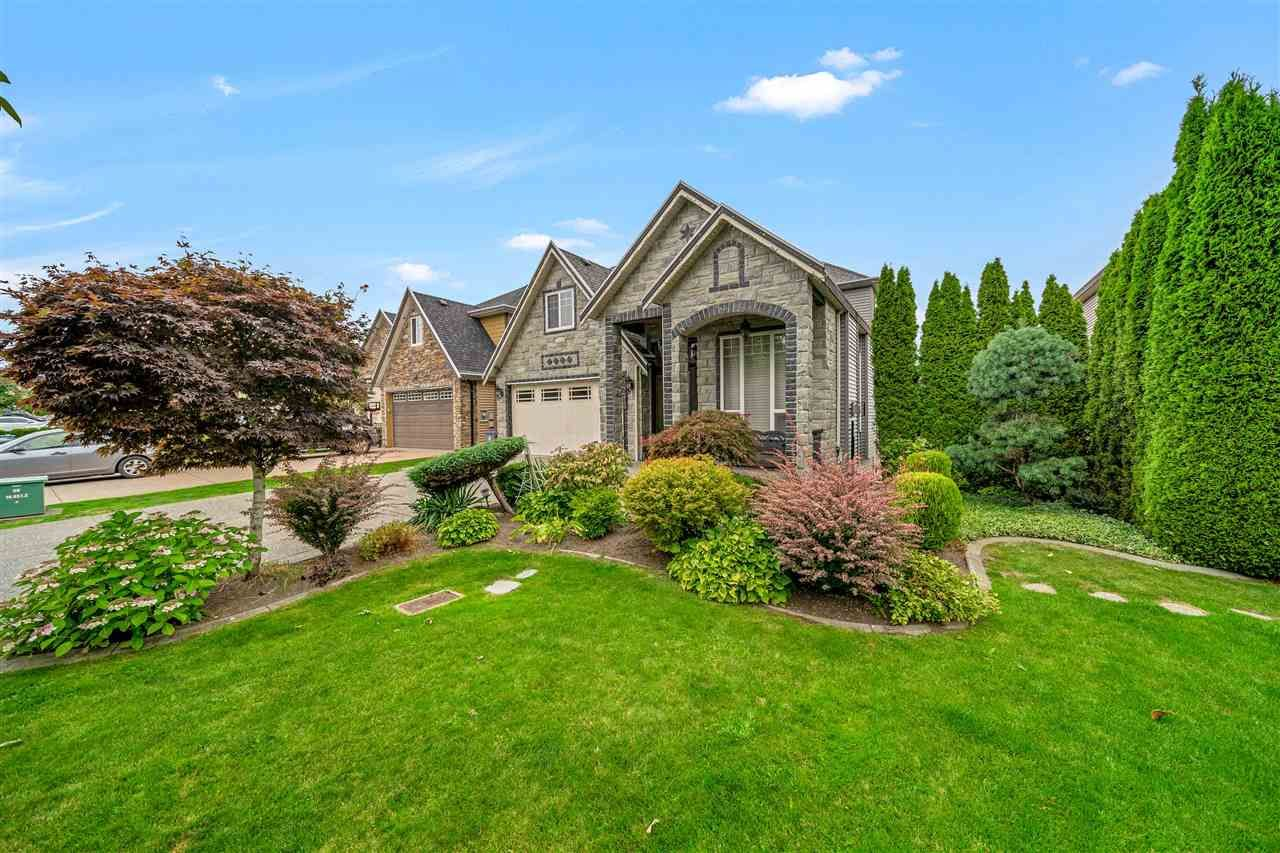 Main Photo: 14473 75A Avenue in Surrey: East Newton House for sale : MLS®# R2493417