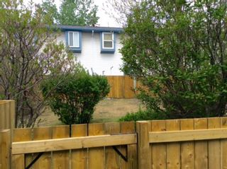 Photo 4: 108 4810 40 Avenue SW in Calgary: Glamorgan Row/Townhouse for sale : MLS®# A1060323