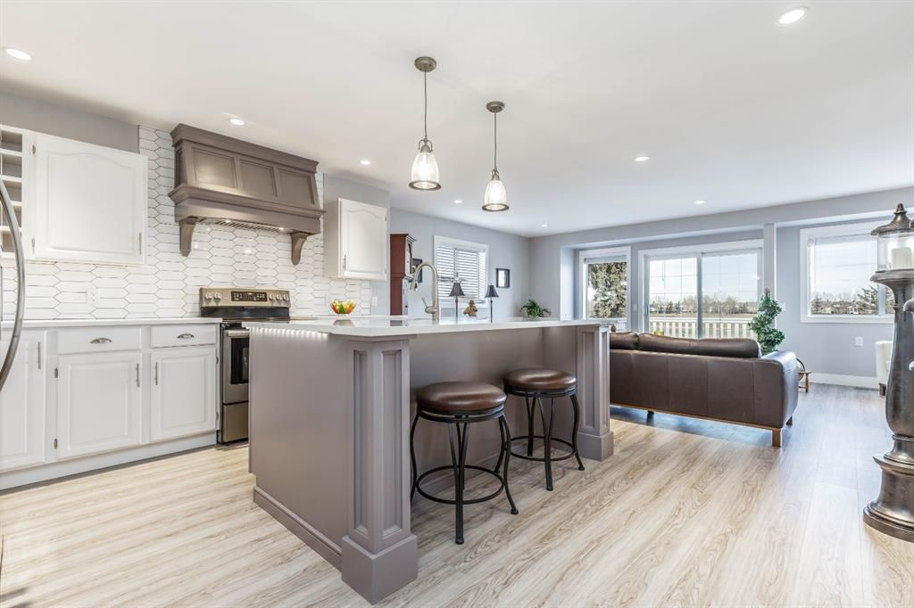 Main Photo: 420 Woodside Drive NW: Airdrie Detached for sale : MLS®# A1085443