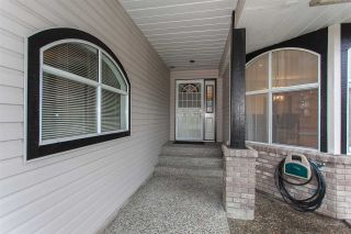 """Photo 2: 6491 CLAYTONWOOD Grove in Surrey: Cloverdale BC House for sale in """"Clayton Hills"""" (Cloverdale)  : MLS®# R2214597"""