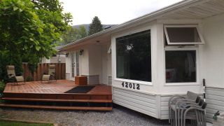 Photo 4: 42012 YARROW CENTRAL Road: Yarrow House for sale : MLS®# R2273264