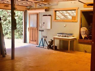 Photo 15: 2897 SUNSHINE COAST Highway: Roberts Creek House for sale (Sunshine Coast)  : MLS®# R2602692