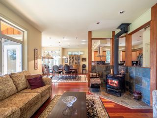 Photo 12: 9912 Spalding Rd in : GI Pender Island House for sale (Gulf Islands)  : MLS®# 887396