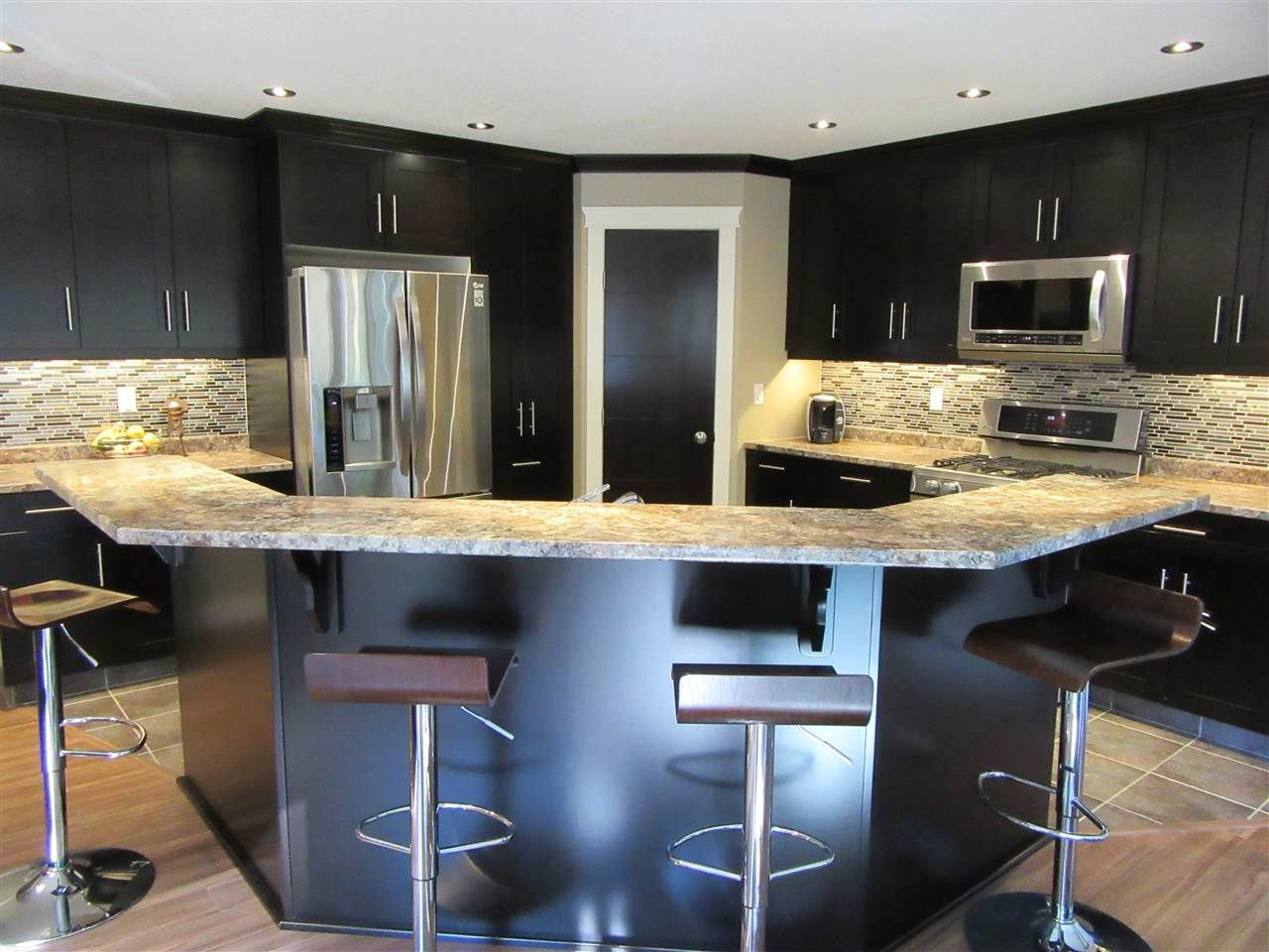 Photo 8: Photos: 8041 STILLWATER Crescent in Prince George: Lower College House for sale (PG City South (Zone 74))  : MLS®# R2107475