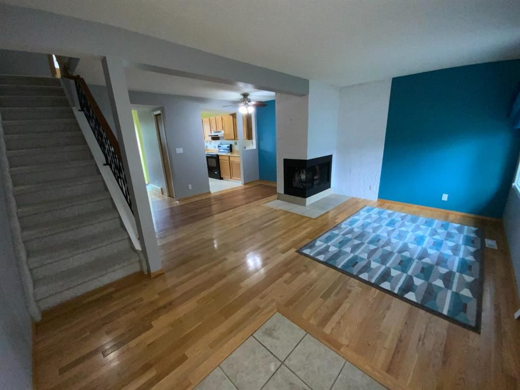Photo 1: Photos: 290 Cornett Drive: Red Deer Row/Townhouse for sale : MLS®# A1132891