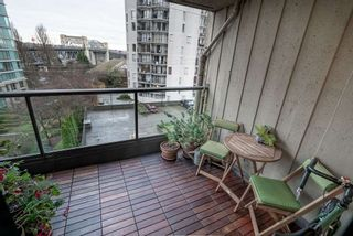 """Photo 15: 604 1040 PACIFIC Street in Vancouver: West End VW Condo for sale in """"Chelsea Terrace"""" (Vancouver West)  : MLS®# R2433739"""