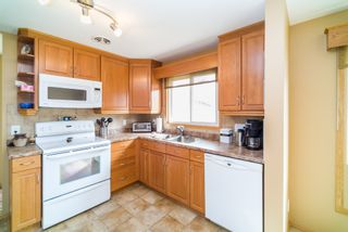 Photo 6: 281 Stradford Street in : Crestview Single Family Detached for sale