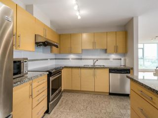 """Photo 8: 2804 2225 HOLDOM Avenue in Burnaby: Central BN Condo for sale in """"LEGACY TOWER 1"""" (Burnaby North)  : MLS®# R2071147"""