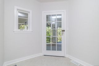 Photo 8: 1099 Jasmine Ave in : SW Strawberry Vale House for sale (Saanich West)  : MLS®# 883448