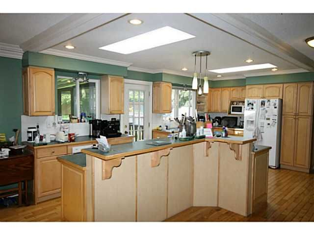 """Photo 3: Photos: 1339 KENT ST: White Rock House for sale in """"White Rock"""" (South Surrey White Rock)  : MLS®# F1313977"""