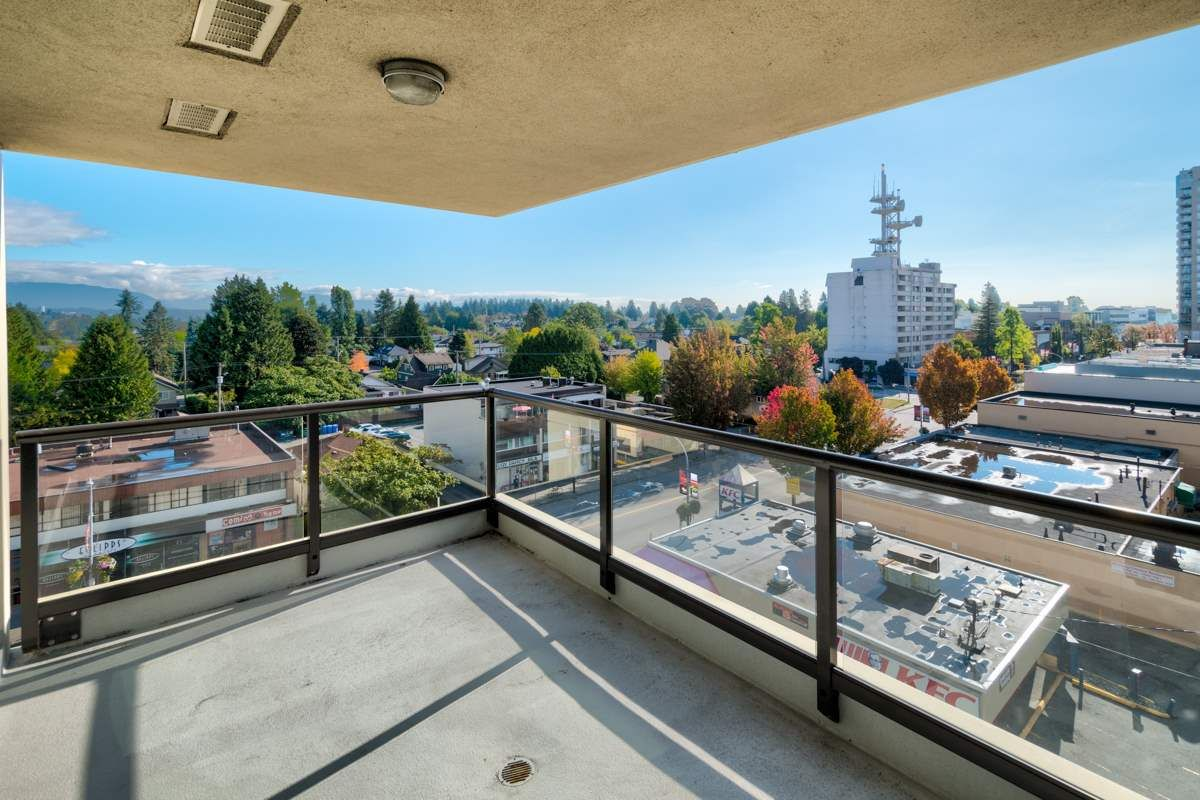 Main Photo: 703 615 HAMILTON Street in New Westminster: Uptown NW Condo for sale : MLS®# R2210446