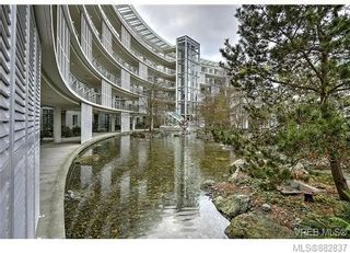 Photo 6: 206 68 Songhees Rd in : VW Songhees Condo for sale (Victoria West)  : MLS®# 882837
