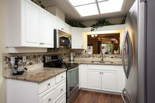 """Photo 3: 10 20761 TELEGRAPH Trail in Langley: Walnut Grove Townhouse for sale in """"Woodbridge"""" : MLS®# R2155291"""