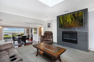 Photo 6: 5810 Coral Rd in : CV Courtenay North House for sale (Comox Valley)  : MLS®# 869365