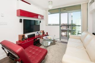 "Photo 2: 1002 2763 CHANDLERY Place in Vancouver: Fraserview VE Condo for sale in ""RIVER DANCE"" (Vancouver East)  : MLS®# R2095895"