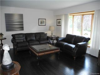 Photo 4: 133 Marshall Crescent in Winnipeg: West Fort Garry Residential for sale (1Jw)  : MLS®# 1621433