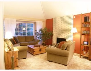 "Photo 2: 1003 POMONA Way in Squamish: Garibaldi Highlands House for sale in ""GARIBALDI HIGHLANDS"" : MLS®# V777597"