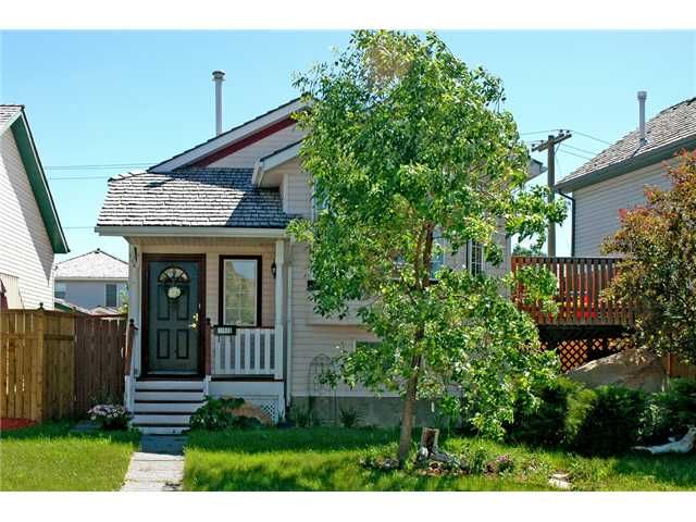 Main Photo: 14536 MT MCKENZIE Drive SE in CALGARY: McKenzie Lake Residential Detached Single Family for sale (Calgary)  : MLS®# C3435697