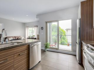 Photo 11: 206 1273 MARINE Drive in North Vancouver: Norgate Condo for sale : MLS®# R2070579