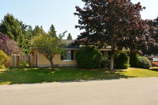 """Photo 5: 12743 21A Avenue in Surrey: Crescent Bch Ocean Pk. House for sale in """"Ocean Park"""" (South Surrey White Rock)  : MLS®# F1422569"""