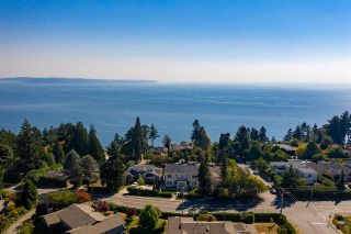 Photo 2: 14020 MARINE Drive: White Rock House for sale (South Surrey White Rock)  : MLS®# R2478365