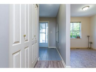 """Photo 3: 101 15439 100 Avenue in Surrey: Guildford Townhouse for sale in """"PLUM TREE LANE"""" (North Surrey)  : MLS®# R2095755"""