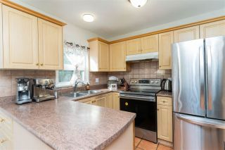 "Photo 5: 4129 BRIDGEWATER Crescent in Burnaby: Cariboo Townhouse for sale in ""Village del Ponte"" (Burnaby North)  : MLS®# R2539039"
