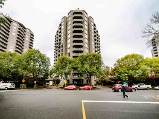 "Photo 18: 1701 1135 QUAYSIDE Drive in New Westminster: Quay Condo for sale in ""ANCHOR POINT"" : MLS®# R2534651"