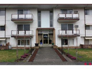 Photo 2: 301 46165 GORE Avenue in Chilliwack: Chilliwack E Young-Yale Condo for sale : MLS®# H1100955
