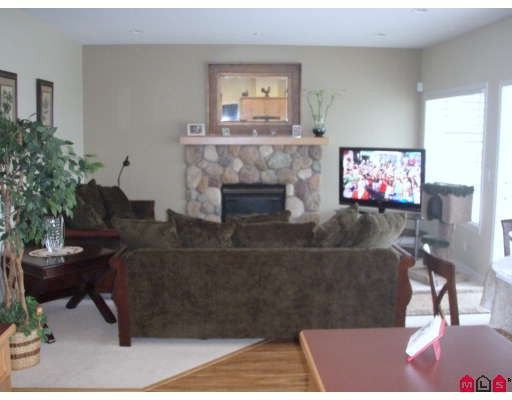 """Photo 4: Photos: 18267 64TH Avenue in Surrey: Cloverdale BC House for sale in """"CLAYTON RIDGE"""" (Cloverdale)  : MLS®# F2913743"""