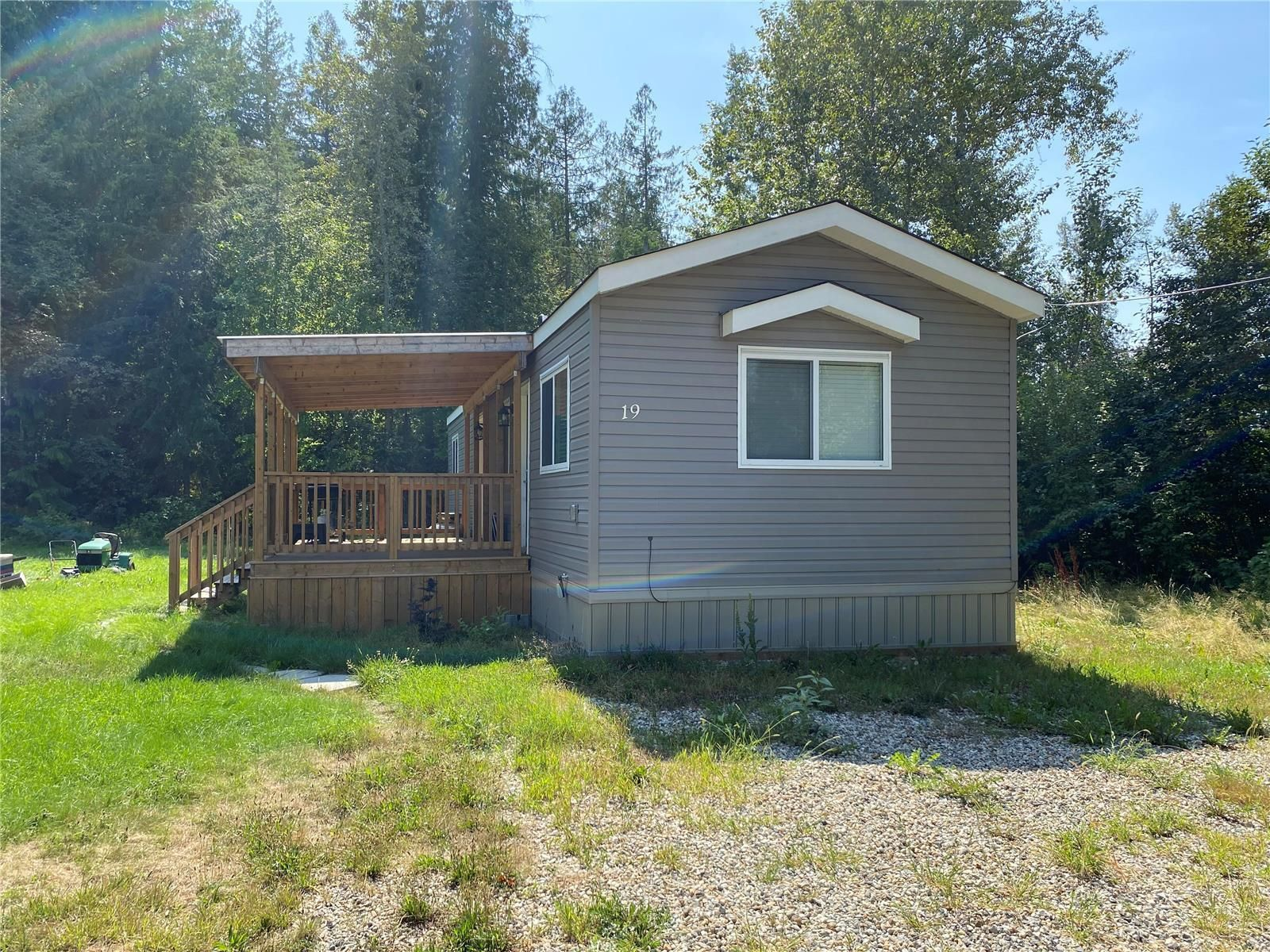 Main Photo: #19 5 Highway 97A, in Sicamous: House for sale : MLS®# 10241498