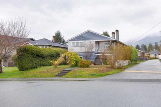 Photo 2: 314 W 20TH Street in North Vancouver: Central Lonsdale House for sale : MLS®# R2576256