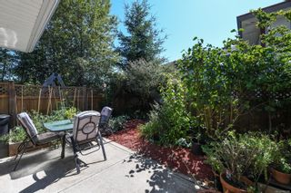 Photo 2: 111 170 Centennial Dr in : CV Courtenay East Row/Townhouse for sale (Comox Valley)  : MLS®# 885134