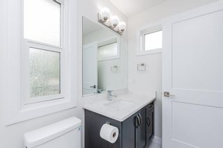 Photo 18: 10574 62 Avenue NW in Edmonton: Zone 15 House Half Duplex for sale : MLS®# E4256002