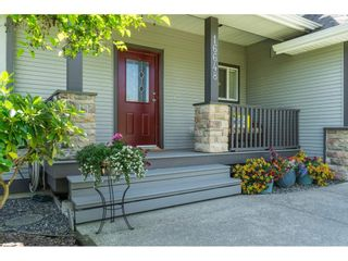 """Photo 4: 16648 62A Avenue in Surrey: Cloverdale BC House for sale in """"West Cloverdale"""" (Cloverdale)  : MLS®# R2477530"""