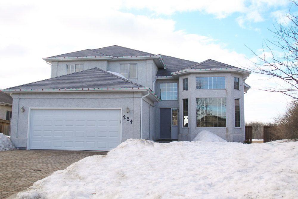 Main Photo: 224 Orchard Hill Road in Winnipeg: Royalwood Single Family Detached for sale (Winnipeg area)  : MLS®# 1406454